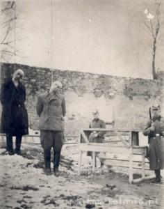 Egzekucja trzech olkuskich Żydów w dniu 6 marca 1942 r. Źródło: Beit Lohamei Haghetaot, Izrael