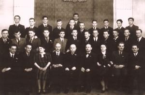 Klasa Maturalna Gimnazjum im. T. Czackiego w Warszawie, Stanisła Gustaw Jaster (w górnym rzędzie, najwyższy)