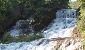 Wodospad w Czerwonogrodzie na Podolu