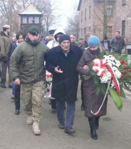 Cichociemny kpt. Aleksander Tarnawski (w środku), 95 lat
