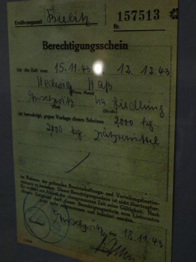 Kartka żywnościowa Hedwig Hőss, żony komendanta KL Auschwitz