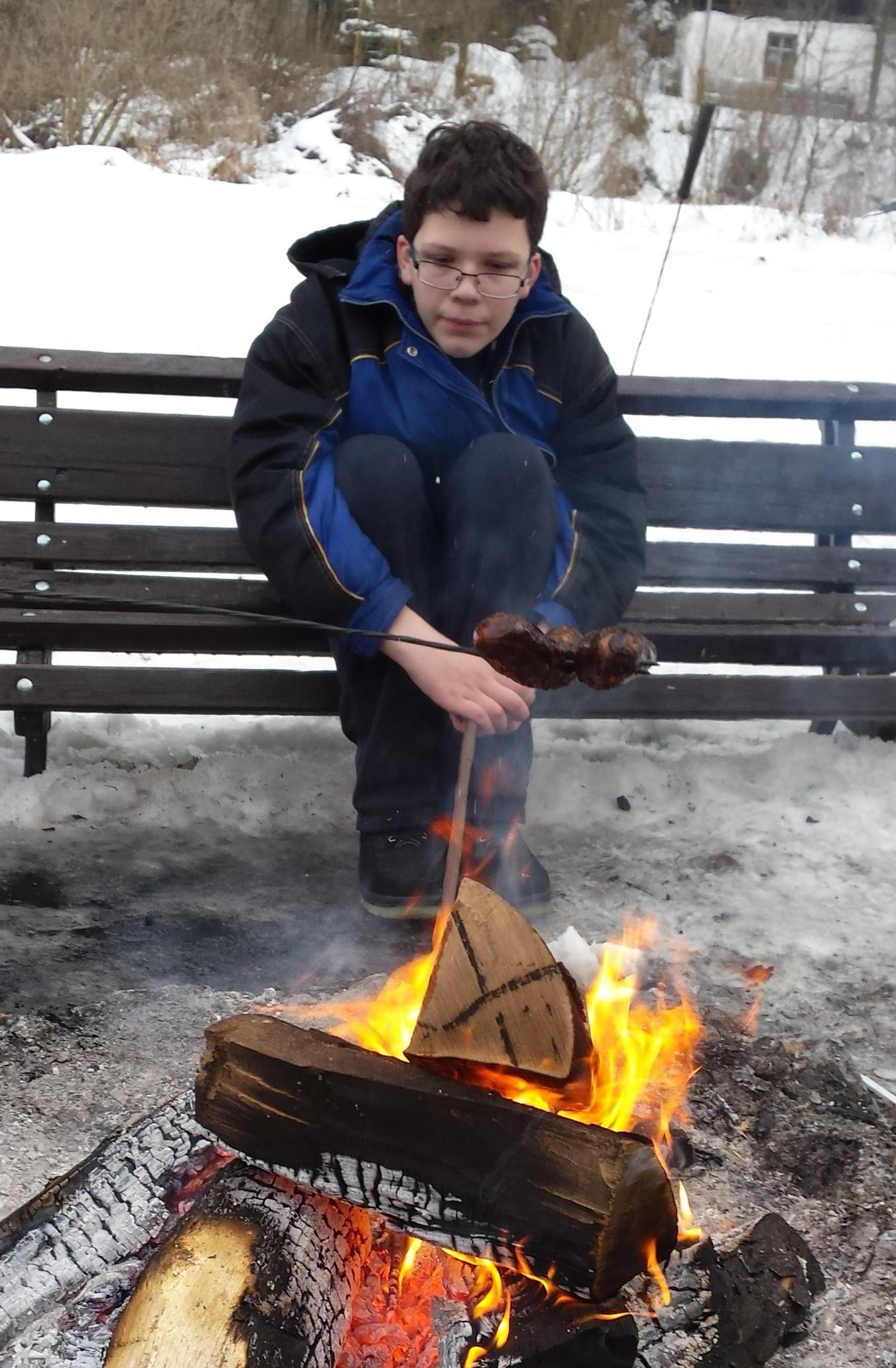 Jakub Musiałowski z Oświęcimia przy ognisku powstańczym