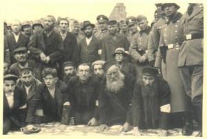 """Znęcanie się nad Żydami podczas """"Krwawej Środy"""" w Olkuszu"""