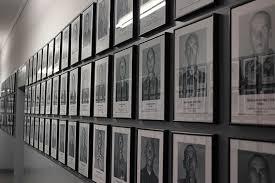 Blok nr 7, zdjęcia więźniów, którzy zginęli w KL Auschwitz